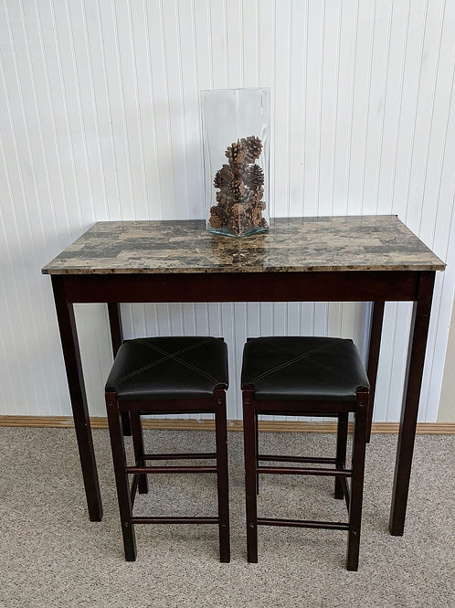 Table w/2 Stools