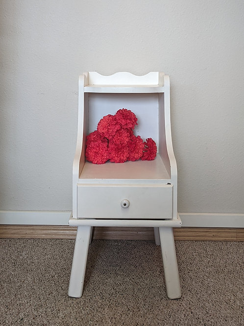 White End Table w| Drawer