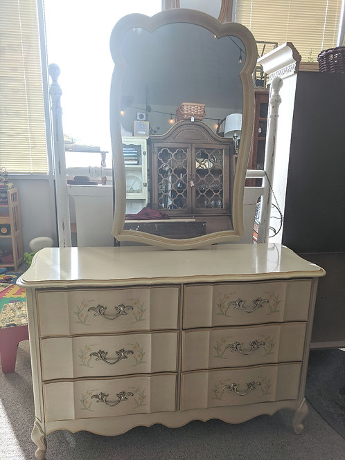French Provincial Yellow 6 Drawer Dresser w| Mirror