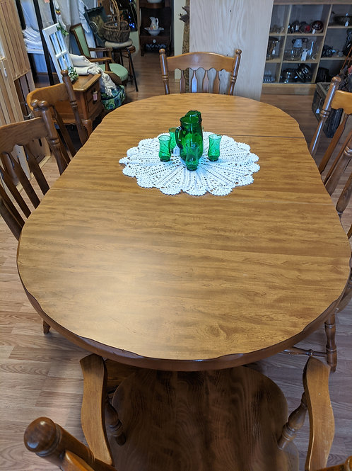 Dining Table w| 2 Leafs & 6 Maple Chairs