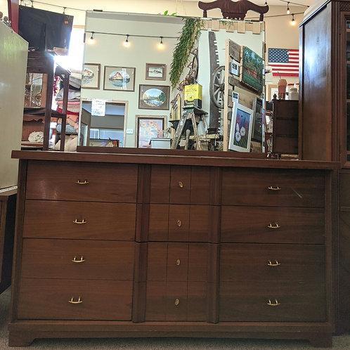 Brown 6 Drawer Dresser w| Mirror