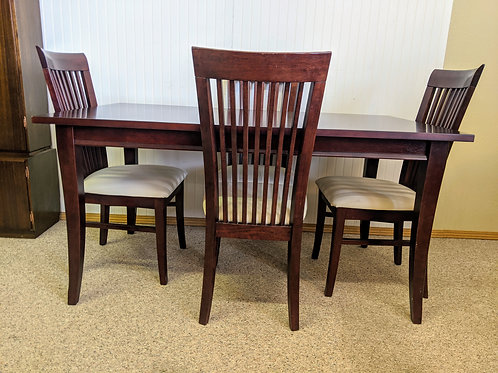 Kitchen Table w| 4 Chairs
