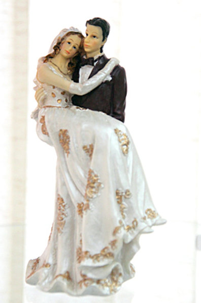 Невеста на руках