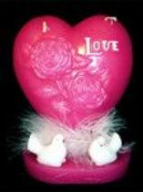 Свеча Сердце с голубями