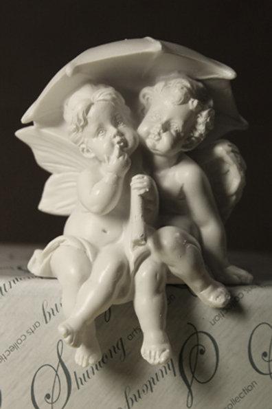Фигурка Ангелы под зонтиком