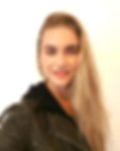 lara profile.jpg