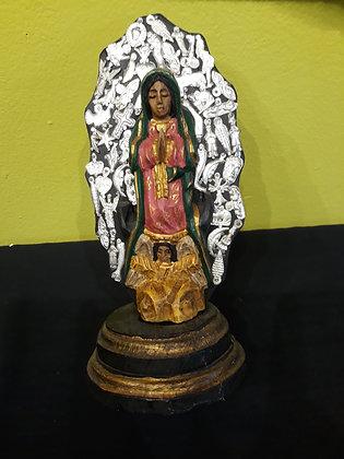 Virgen Statue