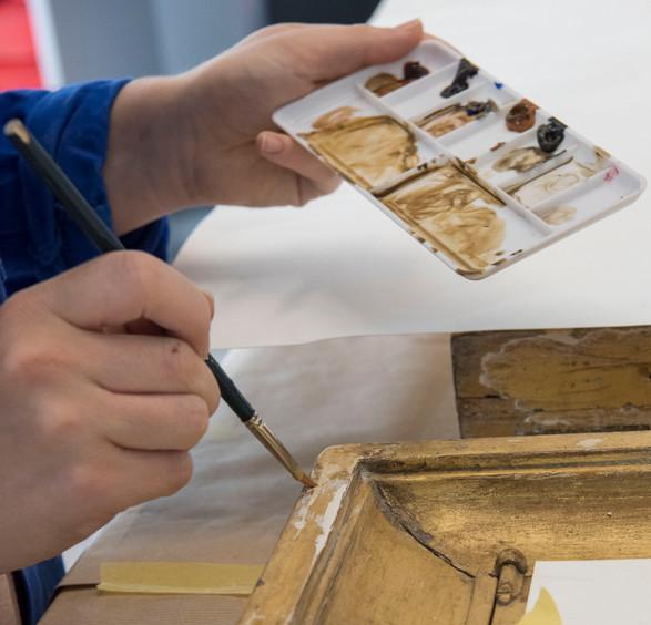 Restauration d'un ensemble de 6 vitrines, Archives Nationales à Pierrefitte-sur-Seine, collection du château de Rambouillet