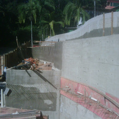 12 ago 11 - Vista lateral muros. Cortina