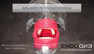 """Video sobre el aislamiento en endodoncia usando dique de goma y la técnica """"todo junto"""". Llevamos el dique, el clamp y el arco en el mismo paso"""