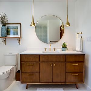 Small Bathroom 2017, Natalie DiPiazza