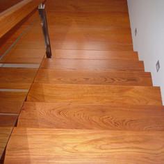 escalera de madera.JPG
