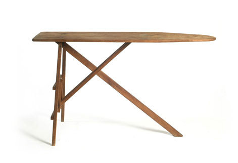 Ironing Table  שולחן גיהוץ