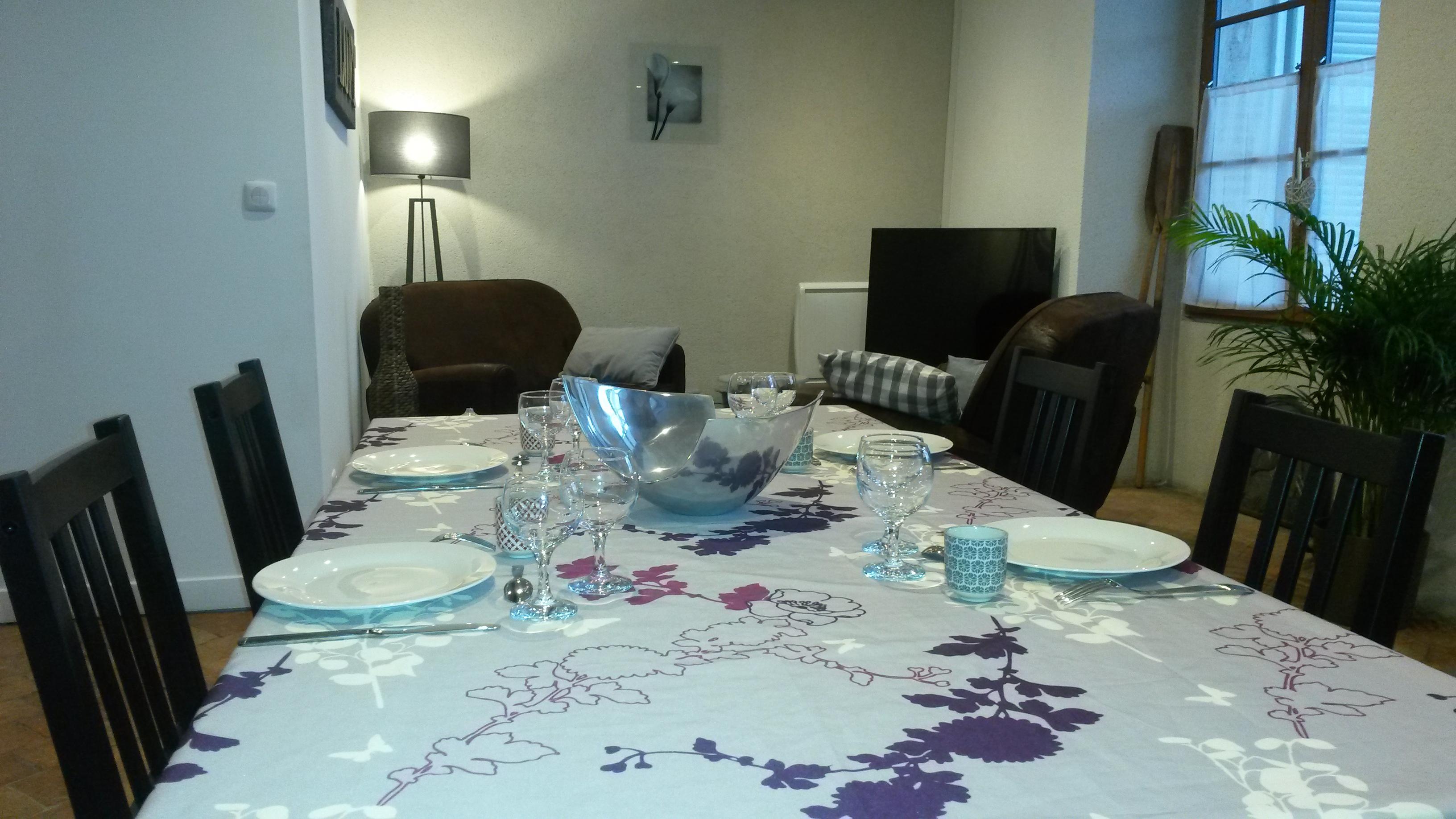 Salon vue de la table de repas
