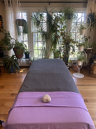 Massage table.HEIC