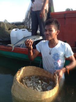 Cambodian fishermen around Koh Sen