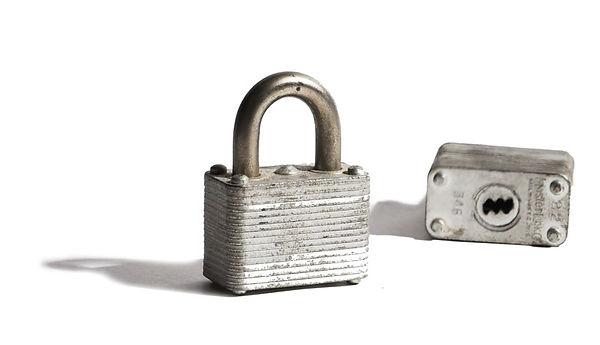 padlock800px2.jpg