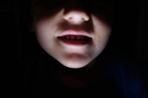 11-V_ENFANT LAMPE.jpg