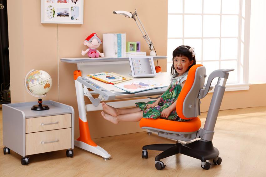 New Harvard Orange+R.Maxx Girl Sitting d