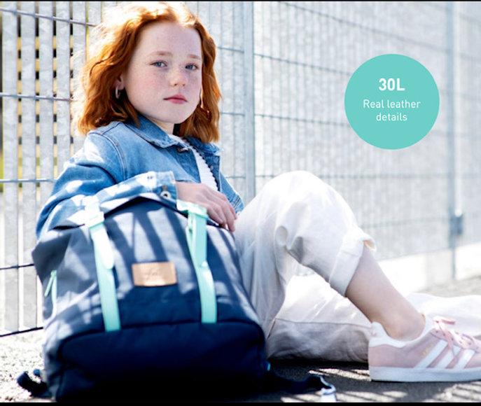 30L - front 1 girl Neo Mint.jpg