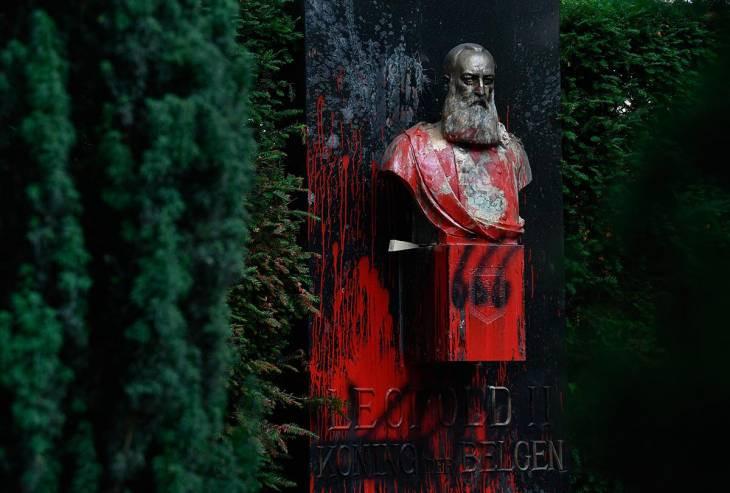 Statue of King Léopold II of Belgium vandalized in Ghent on June 30, 2020. © John Thys / AFP