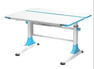 UR3 Desk.jpg