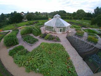 Circular kitchen garden AMAZING 2.jpg