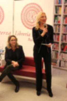 Presentazione libro l'abbraccio della vita presso Libreria Laterza Bari