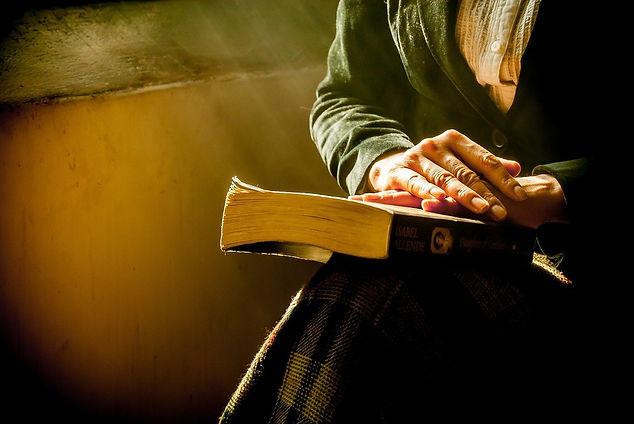 book-1421097_1280.jpg