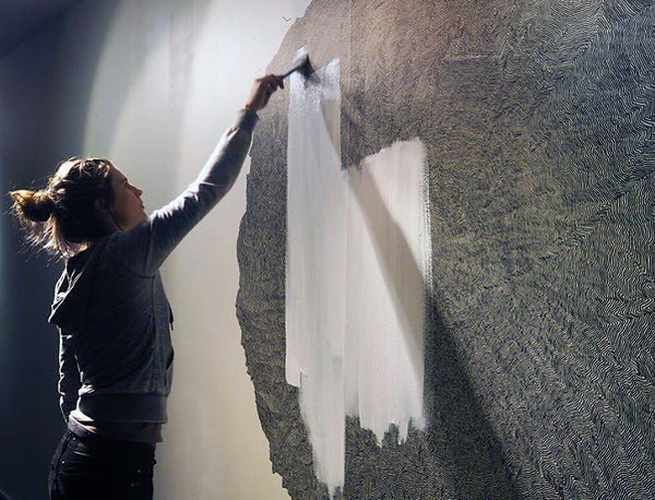 From Nothing to Nothing, The Straight Line is Godless and Immoral, Performance Art, Live Drawing, Ingeborg Blom Andersskog, Norwegian Artist, Galleri Verk, Hammerfest, Norway.