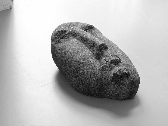 hode.stein.35x38x63cm.jpg