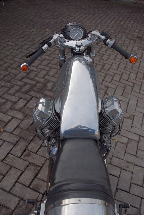 guzzi cafe racer 050 (Small).JPG
