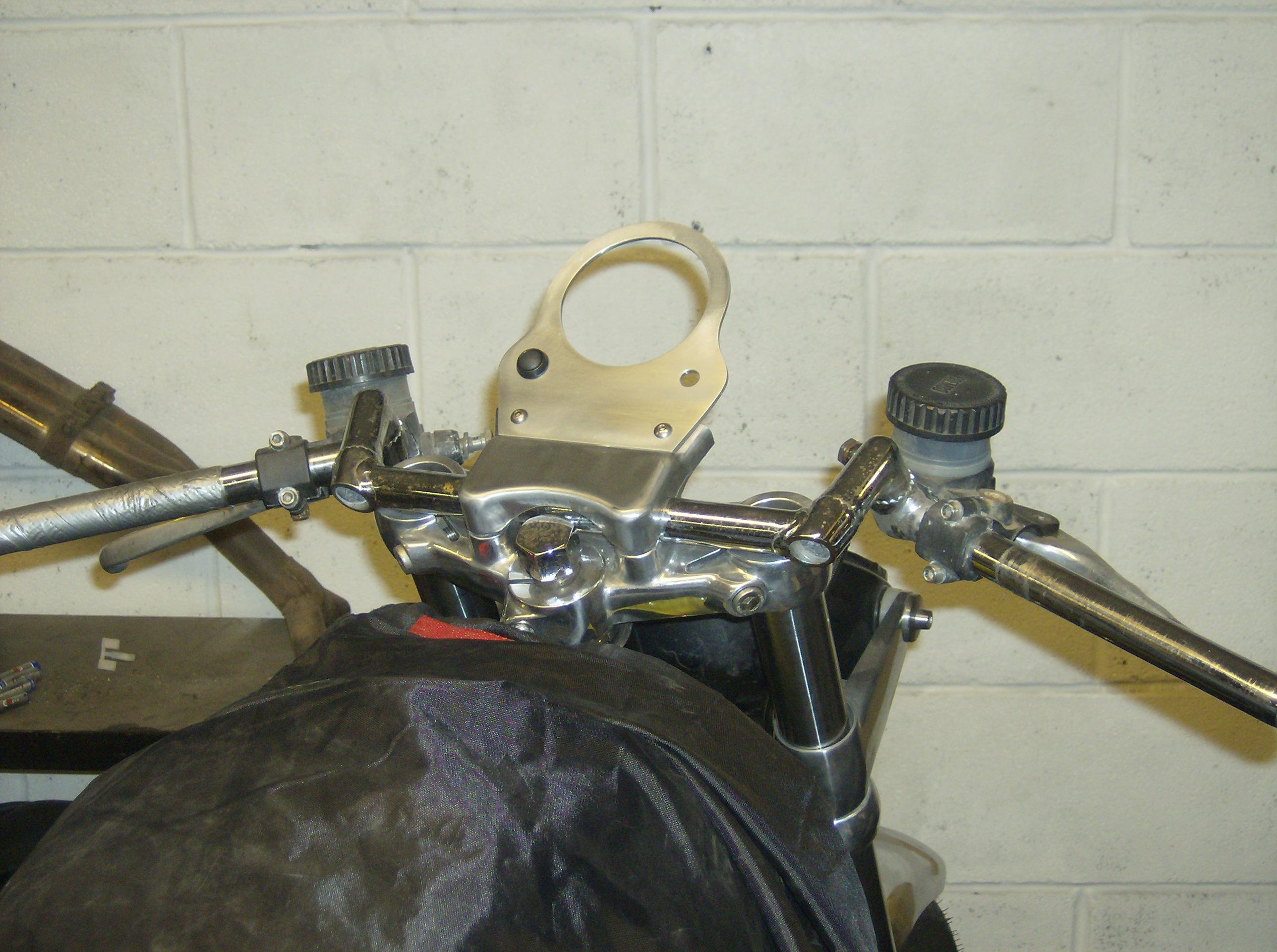 Speedo bracket B.JPG