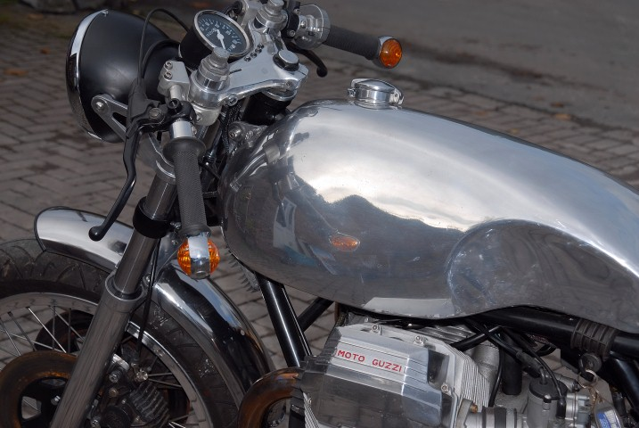guzzi cafe racer 065 (Small).JPG