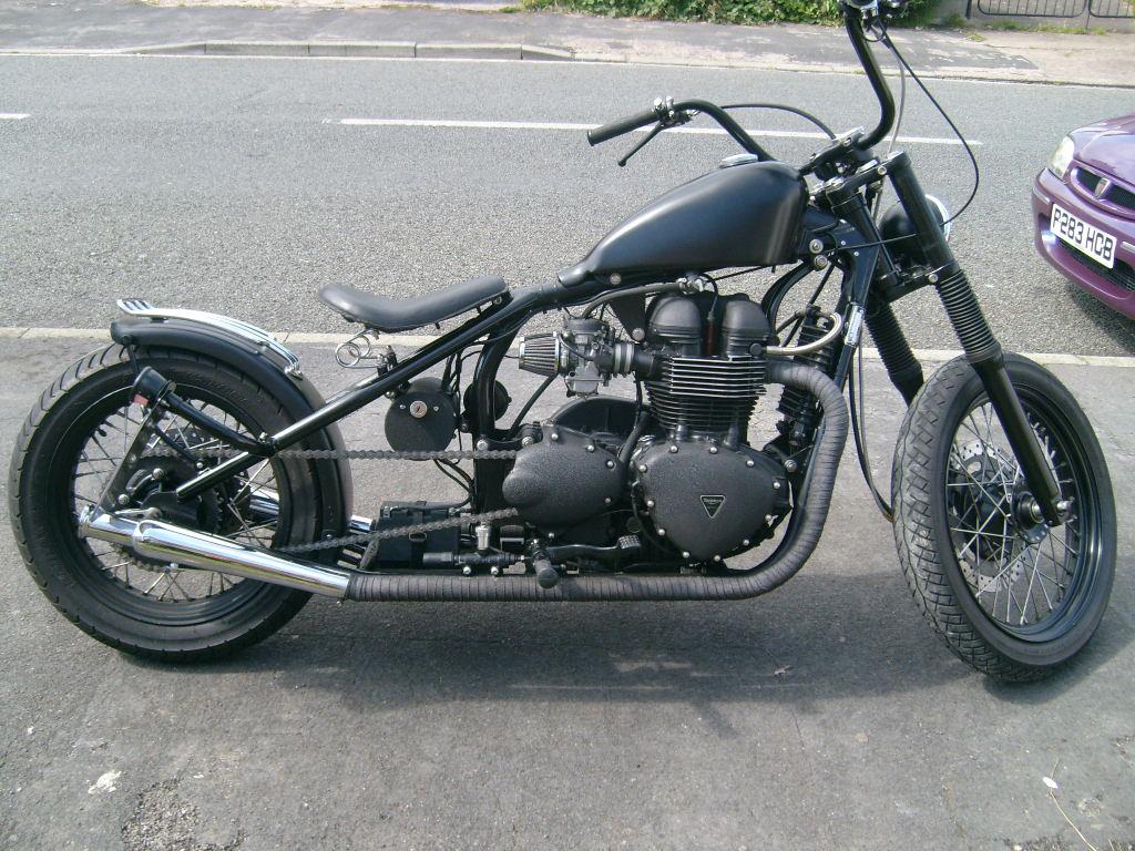 Hinkley Triumph Bobber..jpg