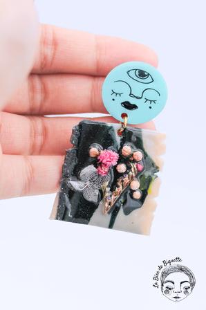 Boucles d'oreilles personnages fleurs séchées