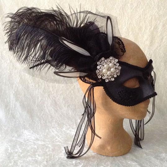 fancy black oogmasker