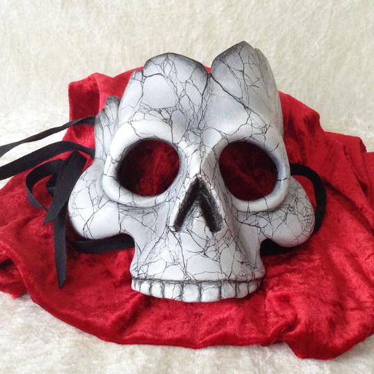 skull broken 4.jpg