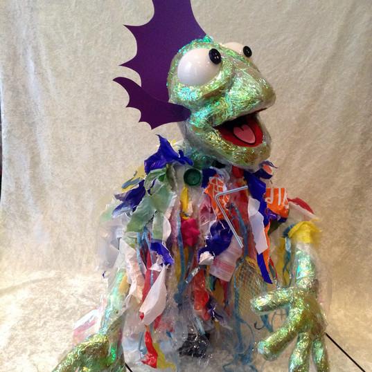 Plastic zeeduivel bekpop - plastic seadevil hand and rod puppet