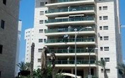 לקנות דירה בבניין קטן או מגדל דירות