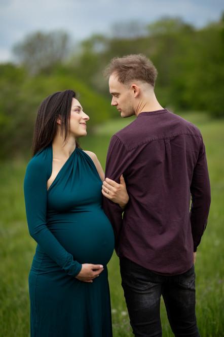těhotenské focení; svatební, portrétní, rodinná fotografka Nikola Jiráčková