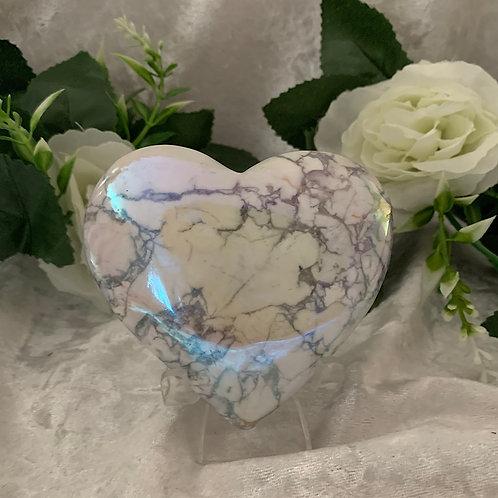 Aura White Howlite Heart