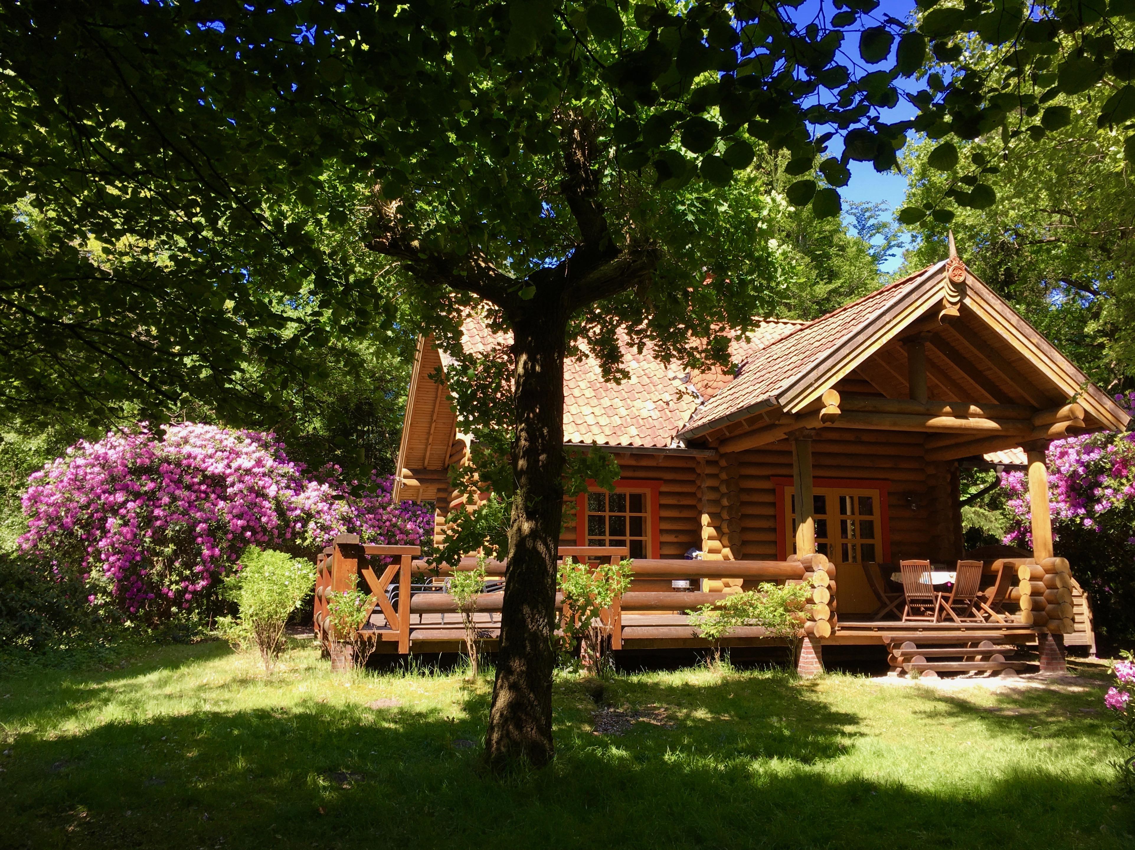 Rundbohlenblockhaus am Waldsee