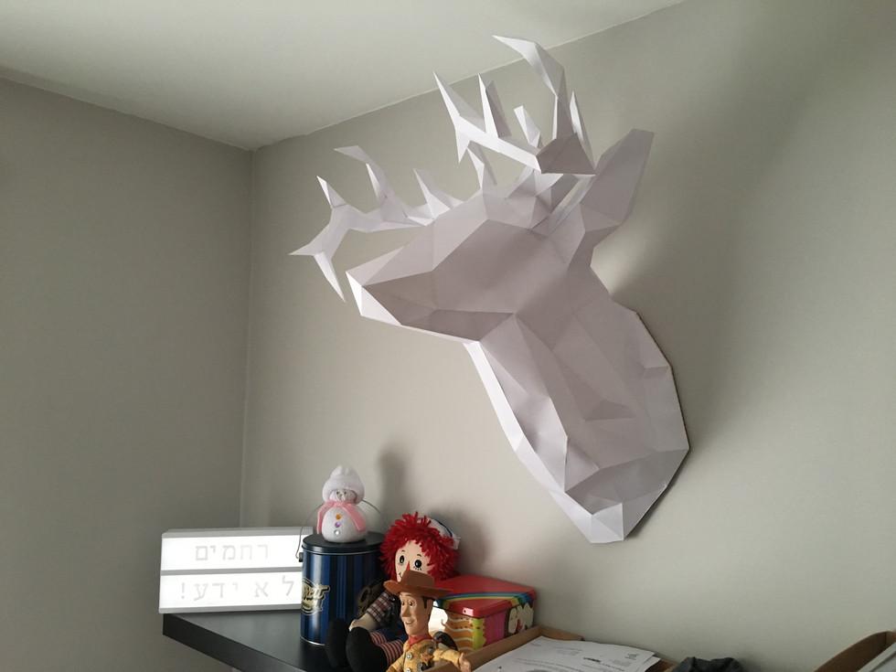 ראש אייל עשוי מנייר