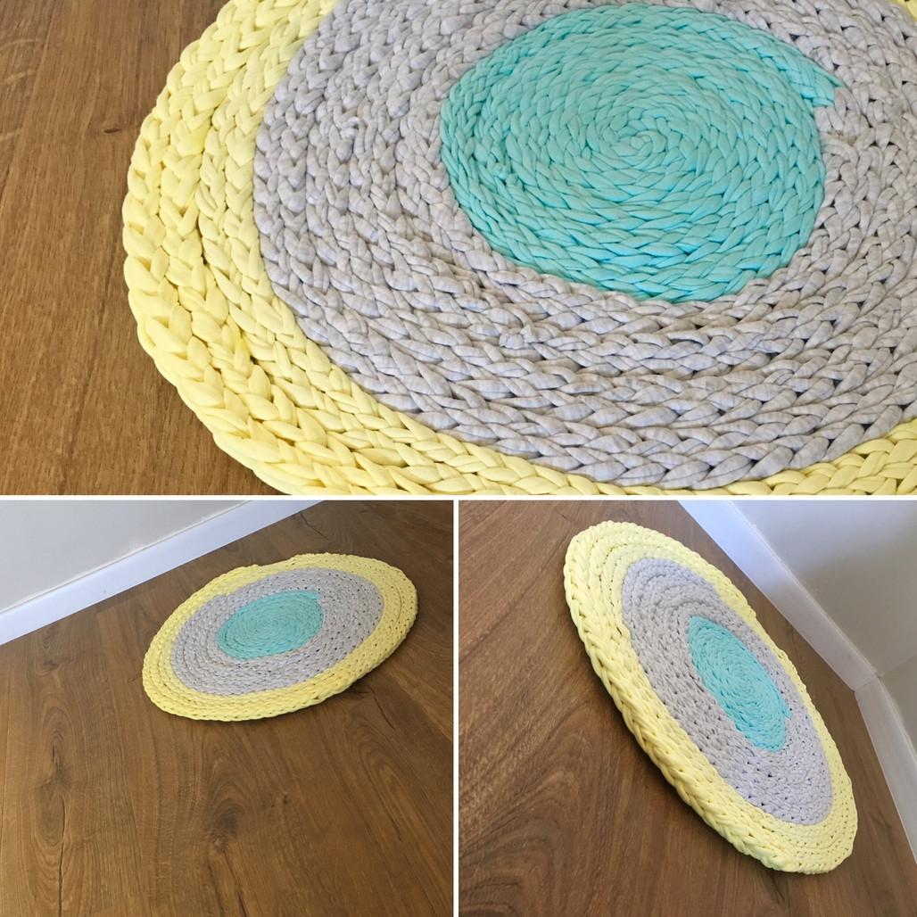 שטיח סרוג מחוטי טריקו בסריגת אצבעות