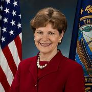 Jeanne_Shaheen,_official_Senate_photo_po