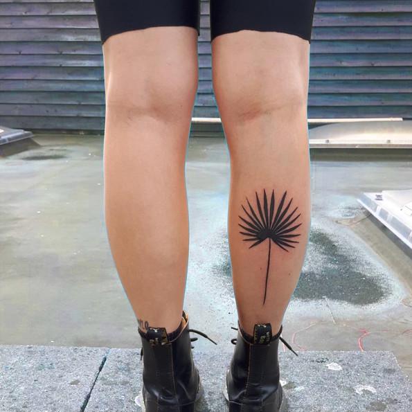 tattoo palm blad.jpg