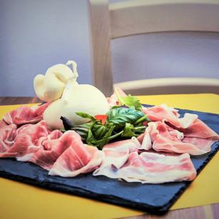 L Burrata e Parma 2.jpg