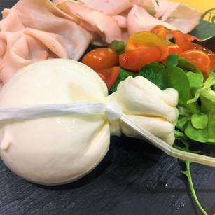 L Burrata e Culatello cotto al tartufo.j