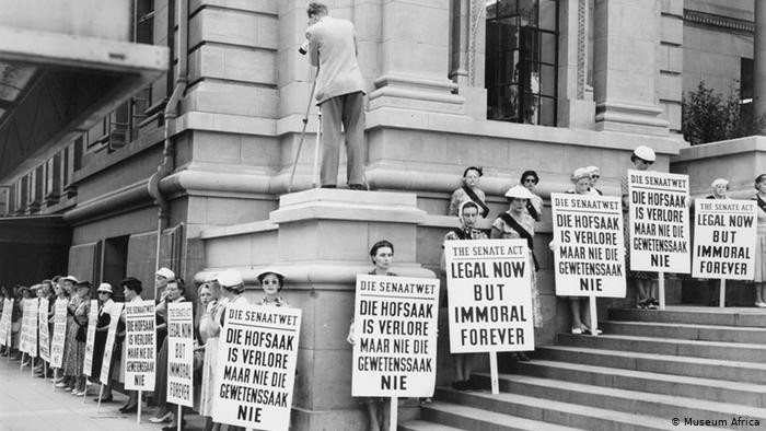 An Afrikaans counter protest by those in favor of segregation.